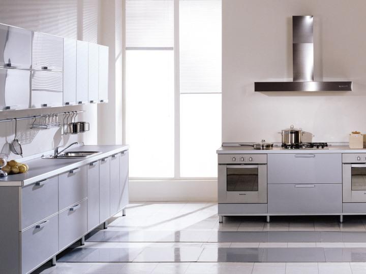 Photo of a minimalist and zero waste kitchen