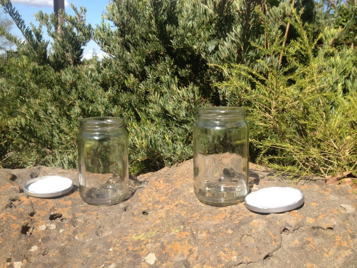 Leave your jars in sunlight for a few days to remove stubborn ordours so they can be reused.